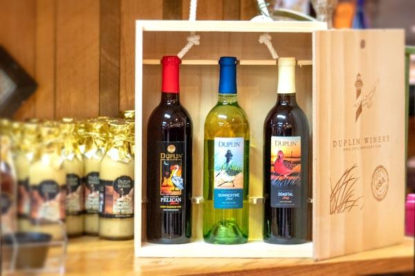 Coastal Birds Wine Gift Set